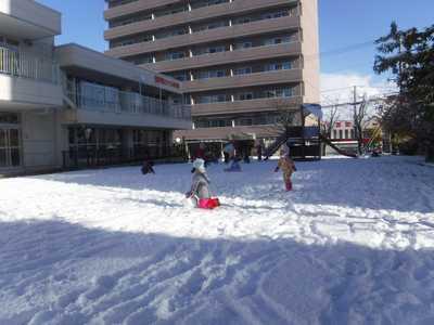 *雪遊び*